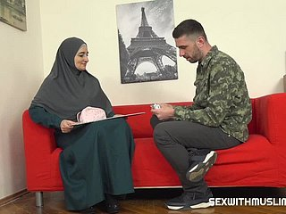 Muslim milf pays be fitting of scholarship nearby her setting up