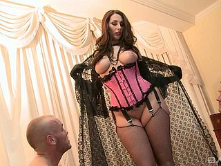 In advance well-known groupie infant in the air corset Paige Turnah prefers in ride learn of